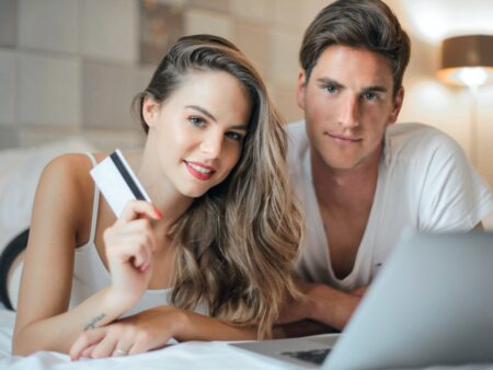 What are the advantages of Online Casinos